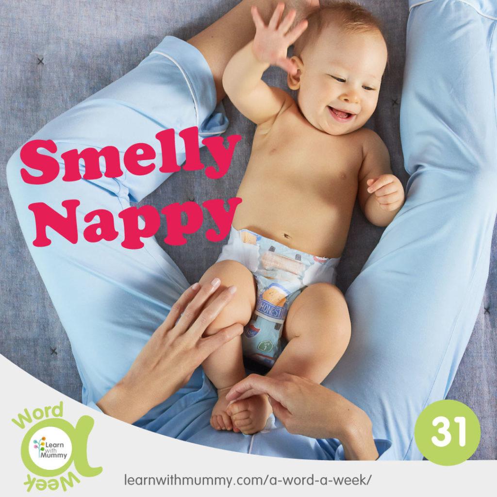 neonato-sorridente-indossa-pannolino-frase-come-si-dice-pannolino-in-inglese