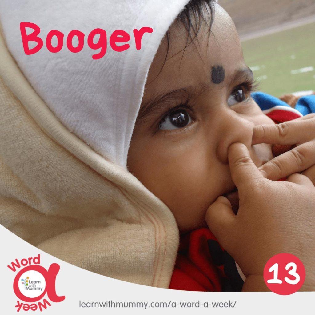 bambino-piccolo-si-infila-due-dita-nel-naso-nell-atto-di-scaccolarsi-in-inglese